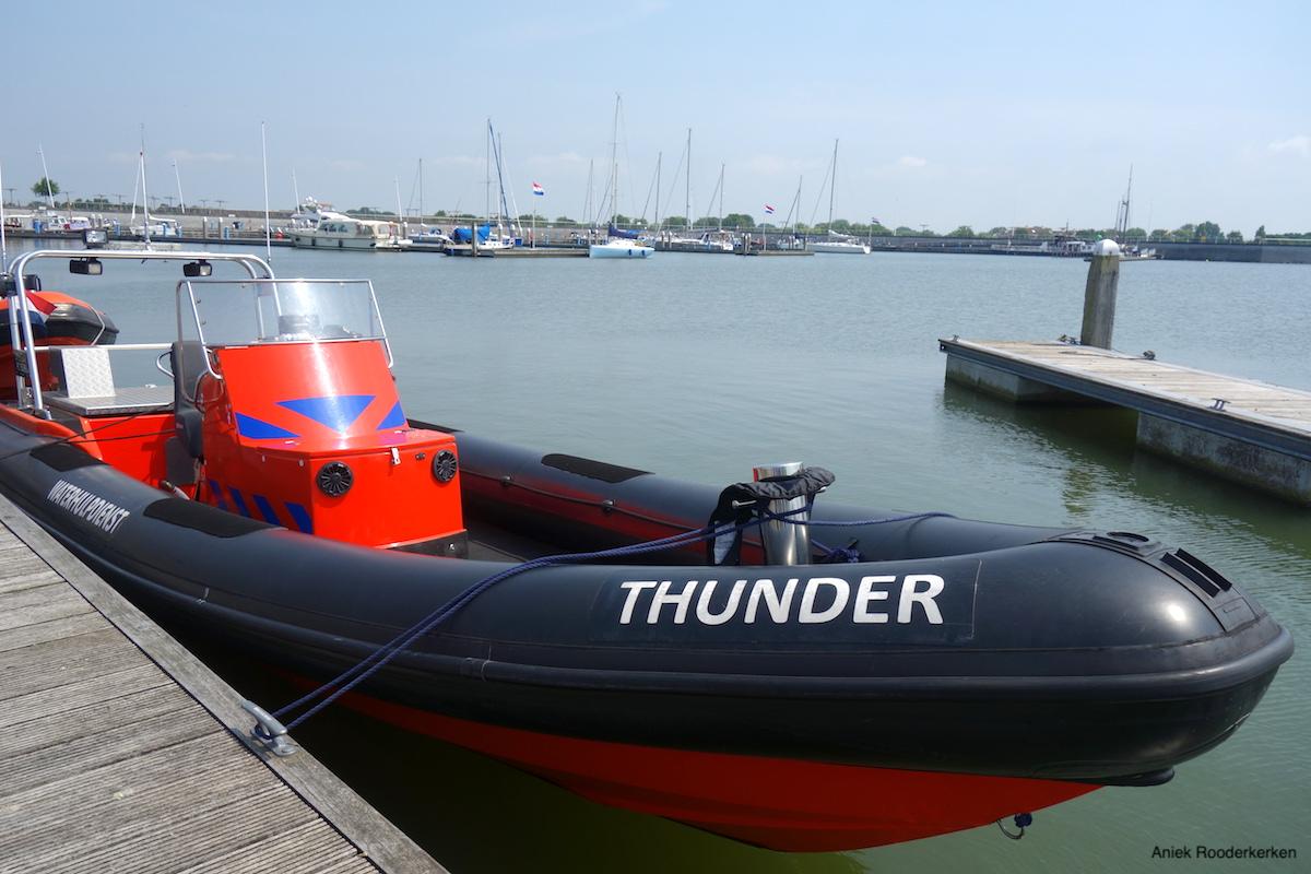 Boot van de Waterhulpdienst in Flevoland