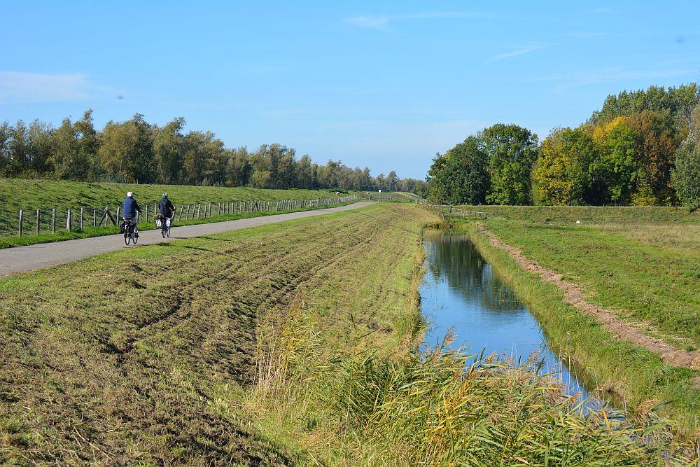 Maas en Vestingroute IJsselmonde rustig fietspad