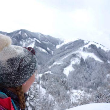 Winters wandelen van Sportchalet Viehhofen naar de Hecherhütte